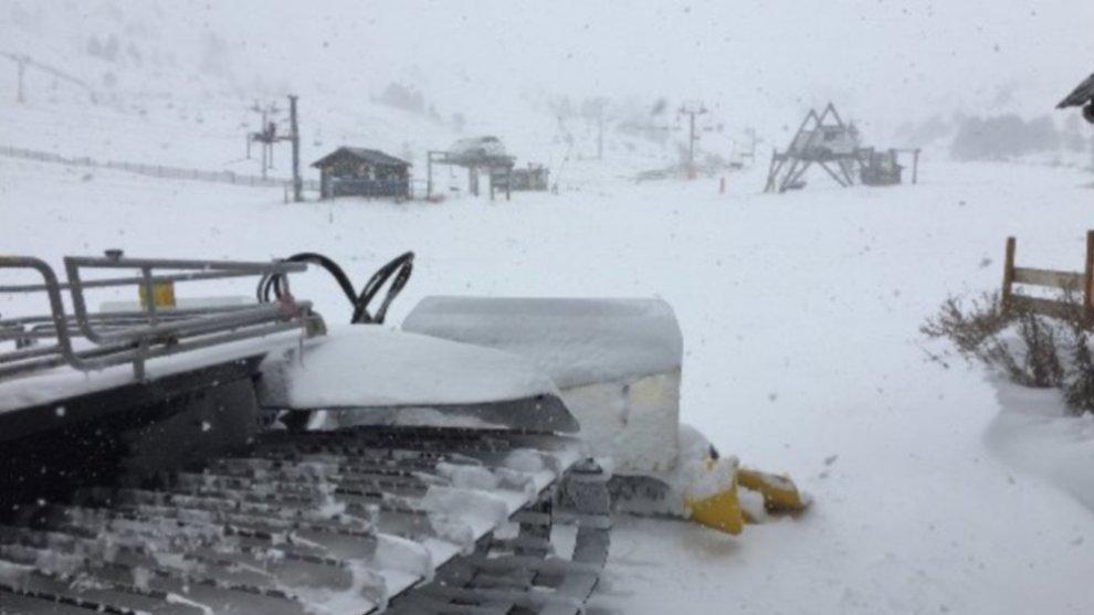 El fin de semana también se podrá esquiar en la estación del...