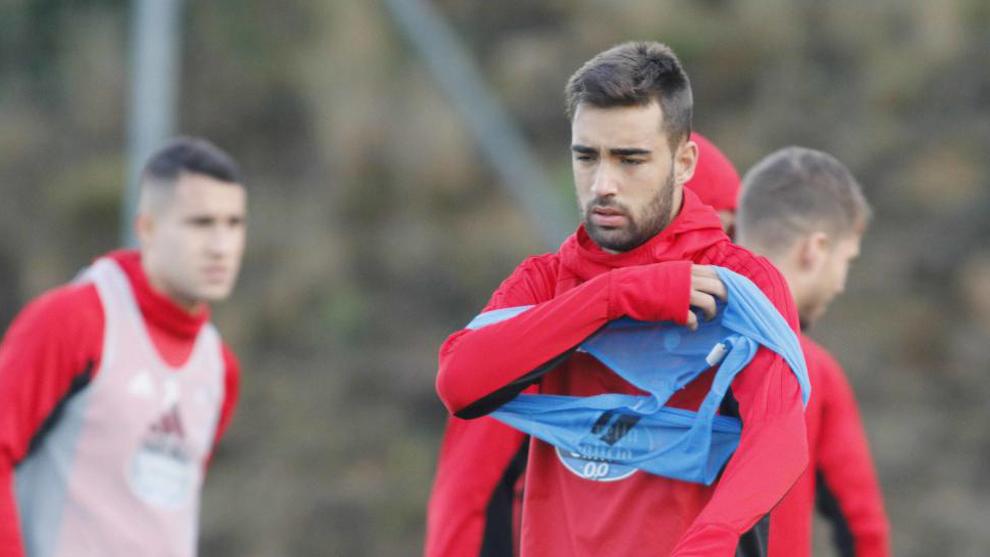 Brais Méndez (20), en una sesión de entrenamiento en A Madroa