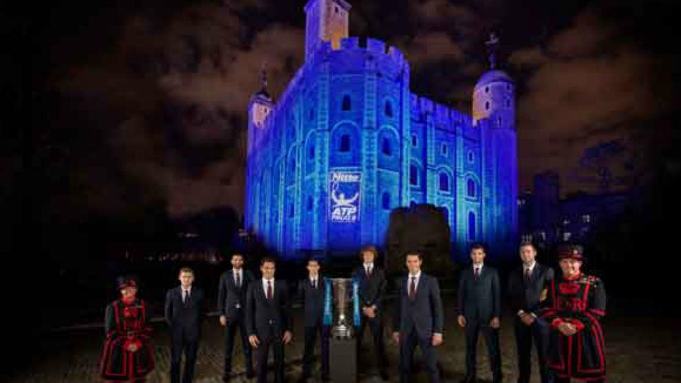Los ocho maestros, en la Torre de Londres