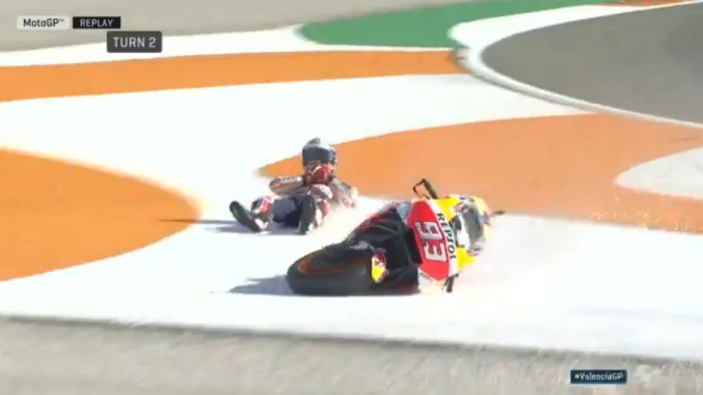 Marc Márquez, tras caerse al final del libre 2 en Cheste
