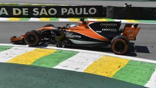 Fernando Alonso, en los primeros libres del GP de Brasil.