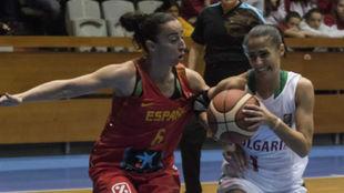 Silvia Domínguez presionando a la búlgara Stoycheva