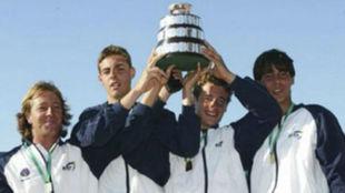 Granollers, Tomeu Salv� y Nadal, con la Copa Davis