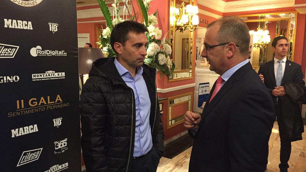 Garitano junto a Juan Ignacio Gallardo en la II Gala del Sentimiento...