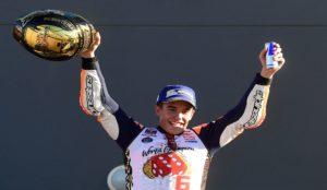 Marc M�rquez celebra su t�tulo de campe�n del mundo