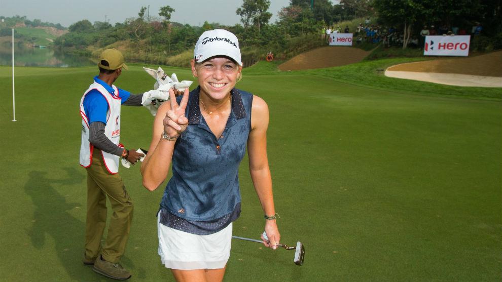 Camille Chevalier celebra su triunfo en la India.