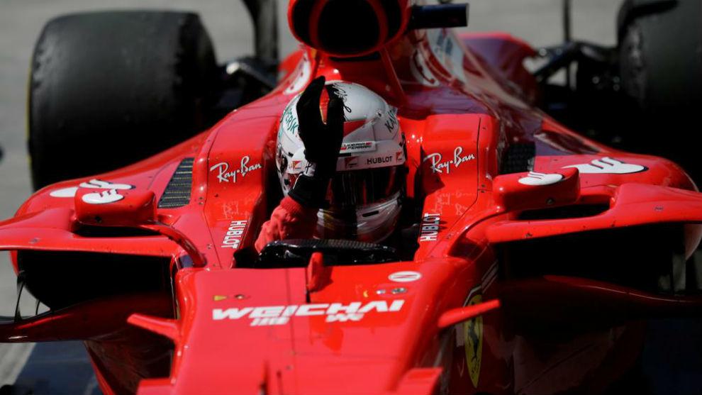 Vettel celebra la victoria en el GP de Brasil.