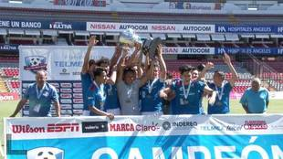 La escuadra morelense, celebrando su campeonato.