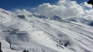 La ubicación norte de Peyragudes le permite tener nieve de calidad y...