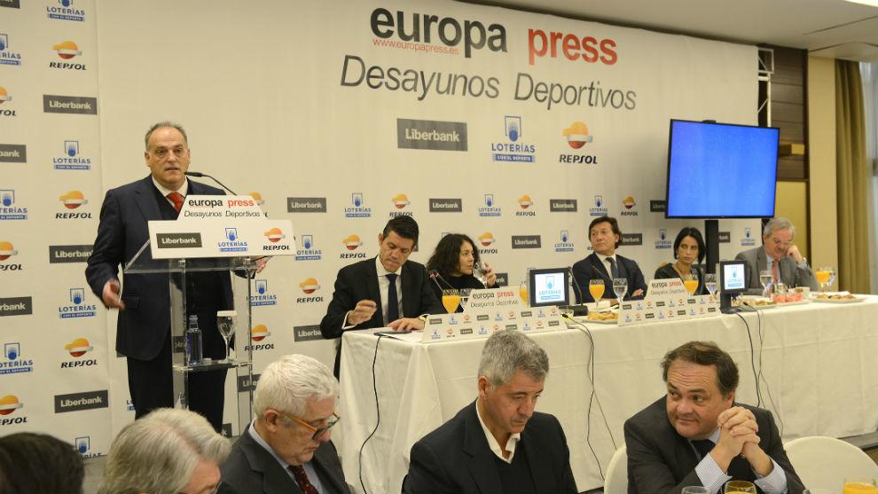 Javier Tebas, durante el desayuno de trabajo organizado por Europa...