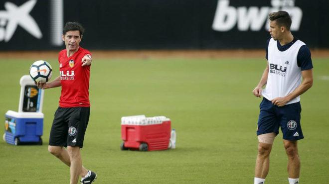 Marcelino con Paulista durante un entrenamiento.