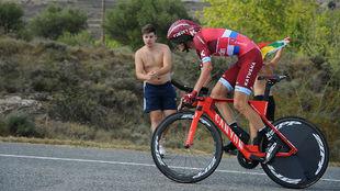 Illnur Zakarin, en la crono de la Vuelta entre el Circuito de Navarra...