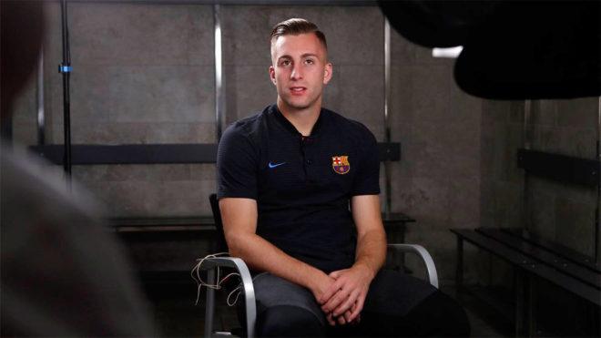 Deulofeu, durante la entrevista para los medios del Barça.
