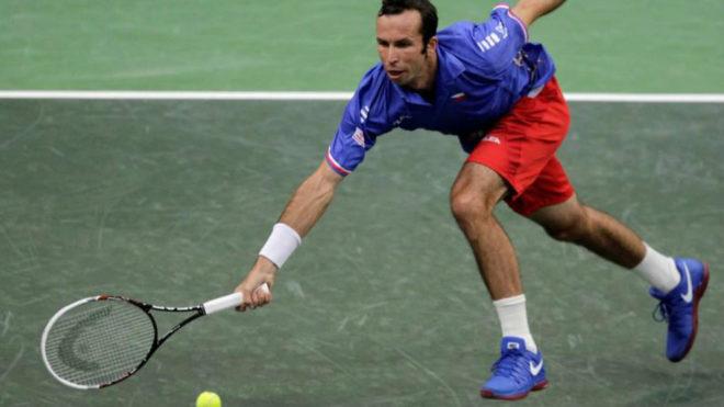 Stepanek durante un partido frente a Del Potro en la Copa Davis de...