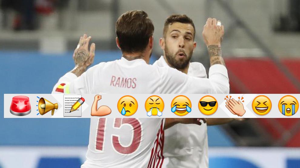 Ramos y Alba celebran el gol del culé