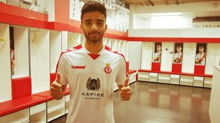 Ahmed Moein (22) en el vestuario del equipo leonés.