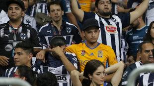 A pesar de la controversia entre las aficiones de Tigres y Rayados,...