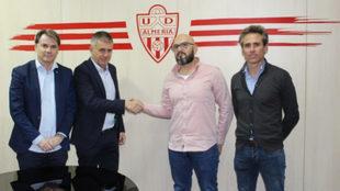 Alcaraz junto a su representante, Alfonso García y Miguel Ángel...