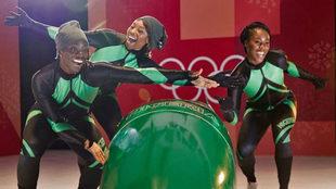 El equipo femenino de bobsleigh de Nigeria.