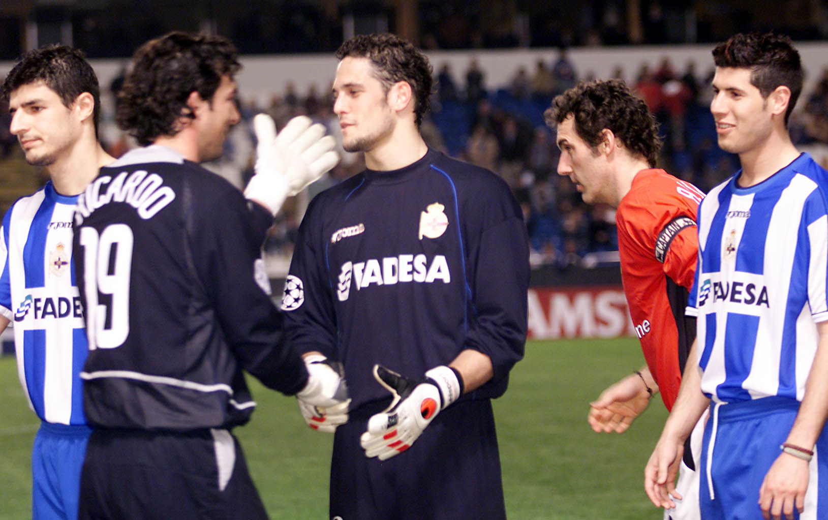 Dani Mallo saludando a Ricardo (Manchester United) en la temporada...