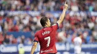 David Rodríguez celebra un gol esta temporada en El Sadar