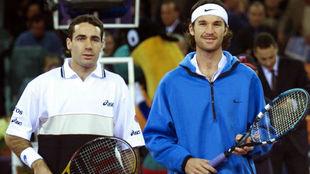 Corretja y Moy�, antes de la final del Masters de Hannover