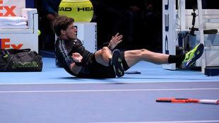 Carreño cae al suelo durante el partido