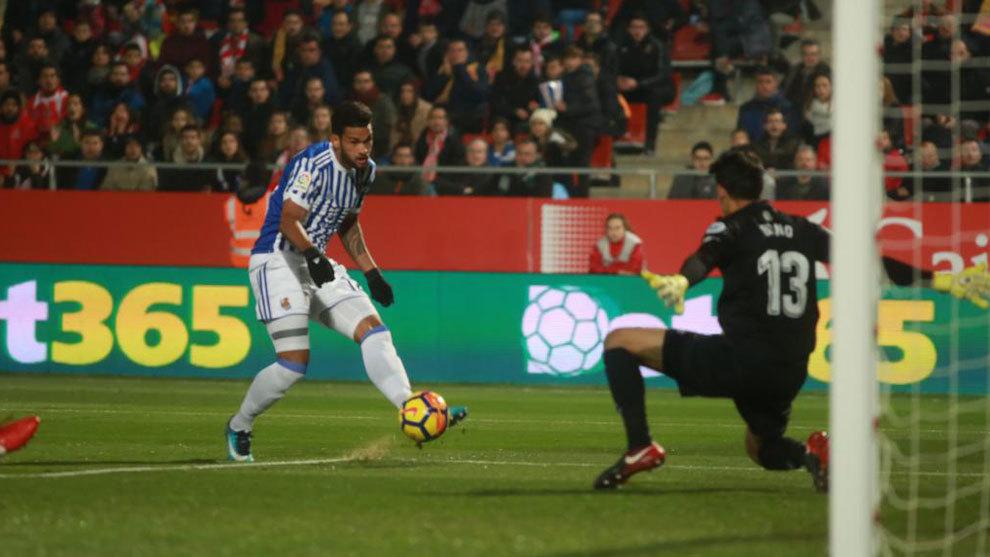 Willian Jos�, en el gol anotado ante el Girona