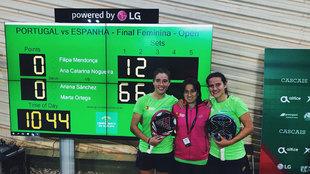 Marta Ortega y Ariana Sánchez tras ganar la final.