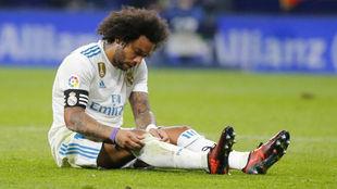 Marcelo, sentado en el suelo del Wanda