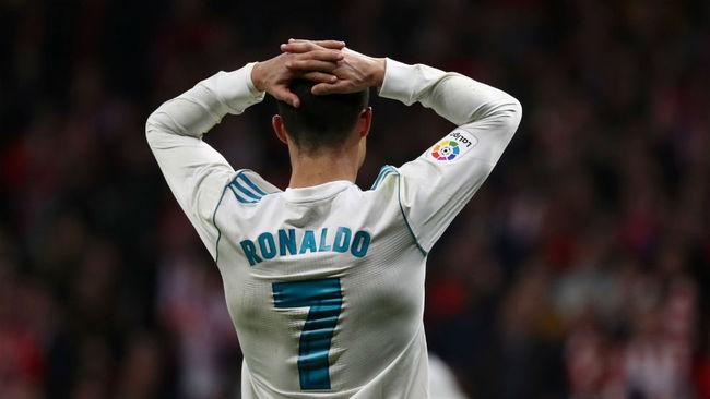 Ronaldo se lamenta tras una de las ocasiones falladas.