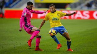 Disputa durante el partido en Gran Canaria
