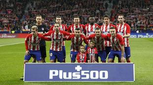 Once del Atlético, con cinco canteranos, que formó en el derbi