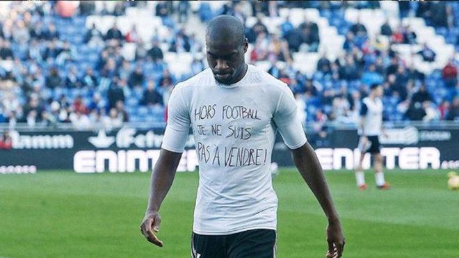 Kondogbia, con la camiseta homenaje a los esclavos de Libia