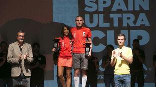 Gemma Arenas y José Esteban Martínez, en el podio.