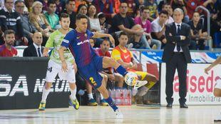 Jesús Aicardo en un partido con el Barça