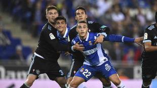 Hermoso y Moreno, en una acción durante el encuentro contra el Celta.