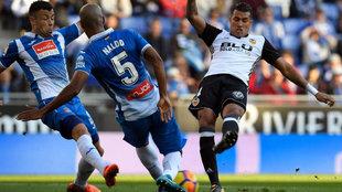 Murillo, en un momento del partido entre el Valencia y el Espanyol.