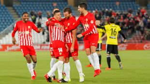 Rubén Alcaraz celebrando su gol al Zaragoza