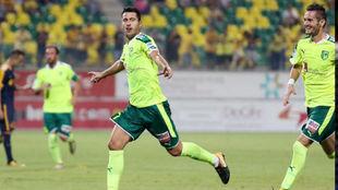 Jorge celebra un gol con el AEK Larnaca