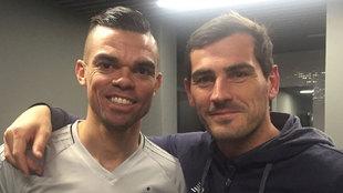 Pepe y Casillas, juntos en la fotografía que compartió el portero en...