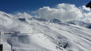 Peyragudes está rodeado de cimas de tres mil metros y goza de unas...