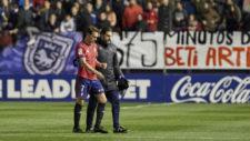 David Rodríguez, retirándose del campo el domingo.