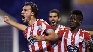 Miquel celebra su gol anotado en Santo Domingo al Alcorcón.