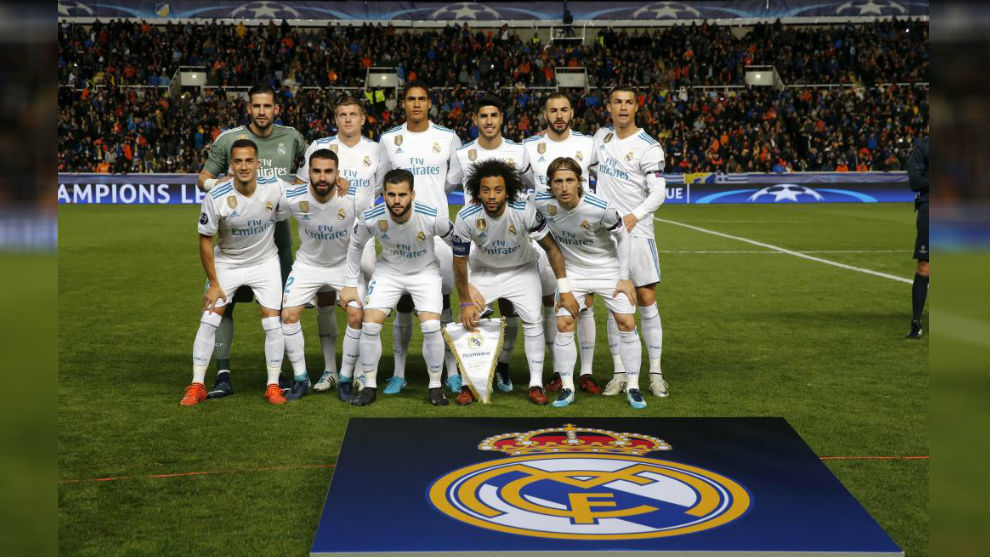 El Madrid posa para la foto antes del encuentro ante el APOEL