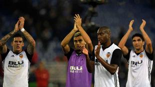 El Valencia celebra una victoria ante su público.