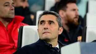 Valverde, en el banquillo del Juventus Stadium.