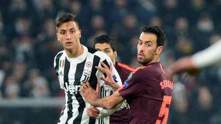 Sergio Busquets, en una acción contra la Juventus esta noche en...