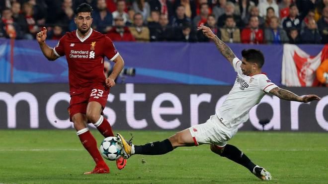 Banega corta una ocasión del Liverpool con 2-3 en el marcador.