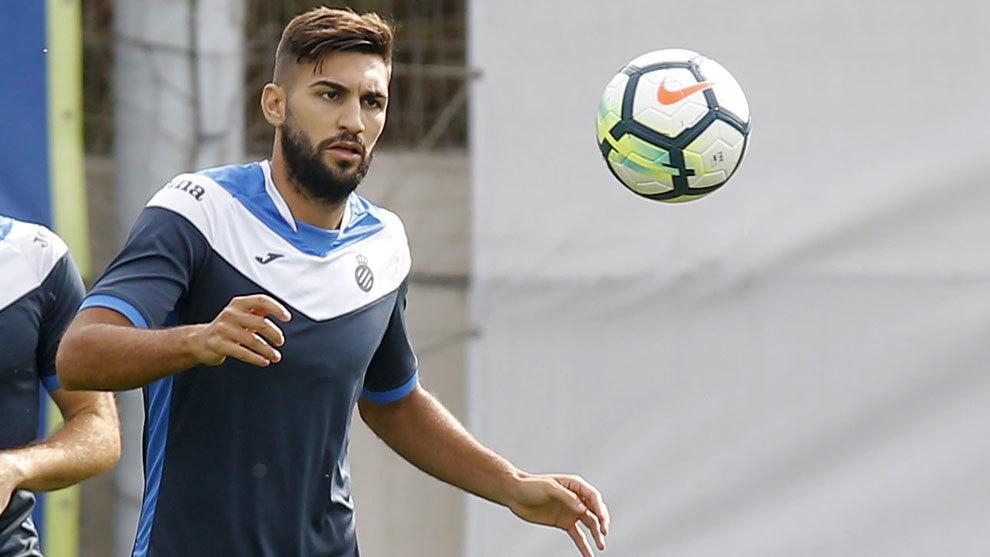 Navarro, en el entrenamiento del Espanyol